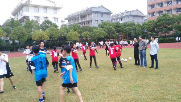 Entrenamiento en la escuela n.5 de secundaria de Jiaojiang, Taizhou.